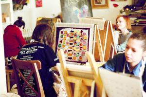 фотографии детей в студии рисования